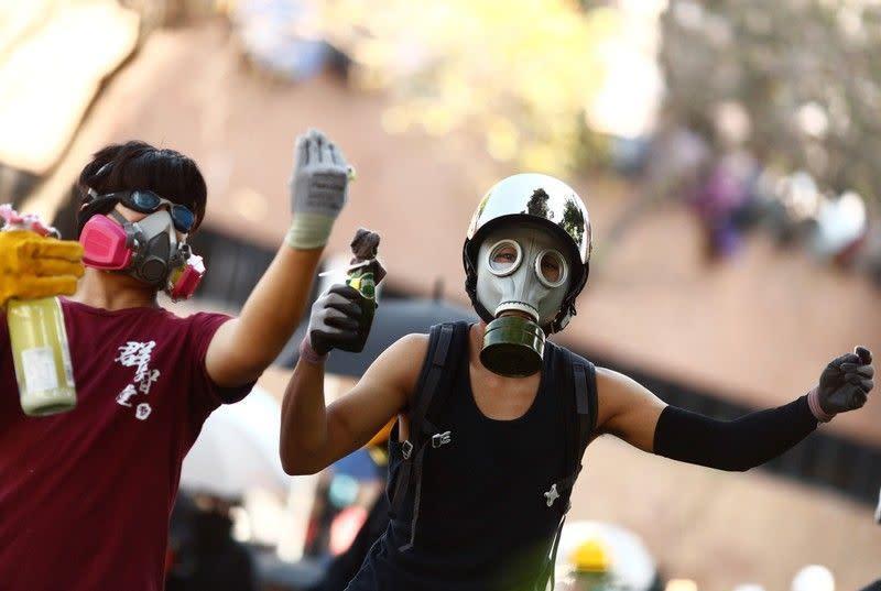 China sebut pengadilan Hong Kong tak bisa putuskan larangan soal masker