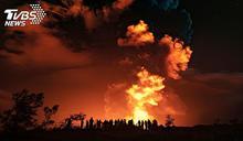 夏威夷勞幾亞火山爆 岩漿狂冒、火山灰猛噴
