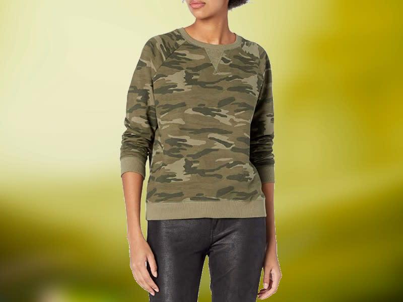 Lucky Brand Women's Classic Camo Crew Neck Sweatshirt. (Photo: Amazon)
