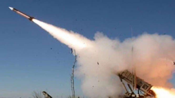 Pasukan Houthi Yaman Bombardir Pangkalan Militer Saudi Arabia