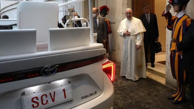 Mobil Hidrogen Toyota Jadi Kendaraan Dinas Paus Fransiscus