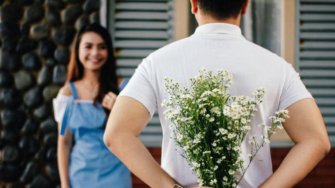 Ilustrasi cinta. (Photo by vijarindo on Pexels)