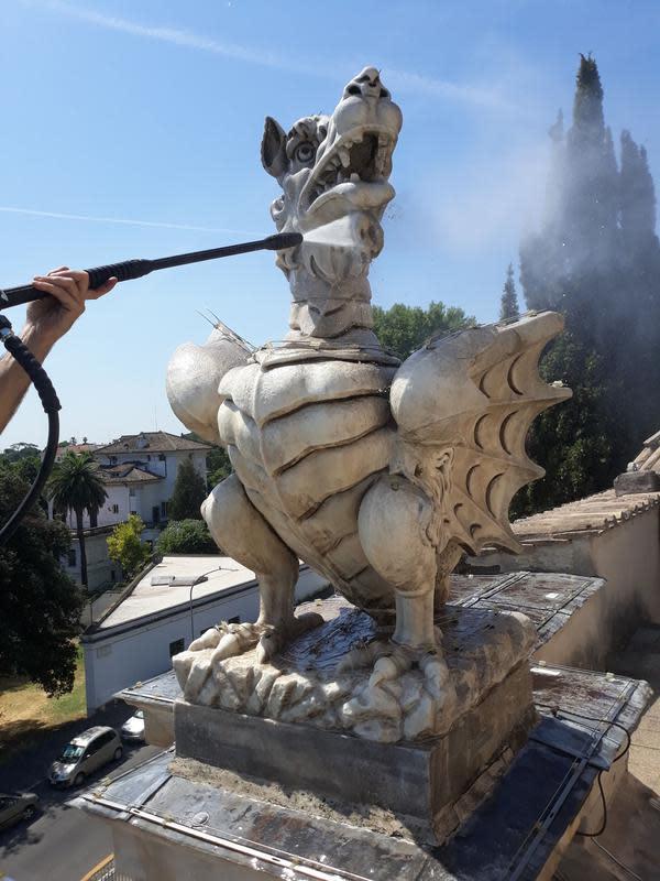 Intip pemugaran 4 air mancur Roma yang dilakukan Fendi (Foto: Fendi)
