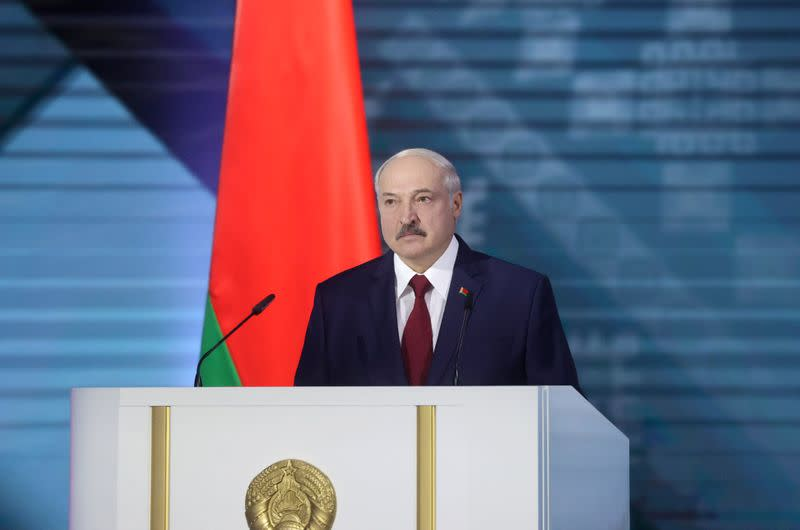 President of Belarus accuses Russia of lying, warns of revolution plot