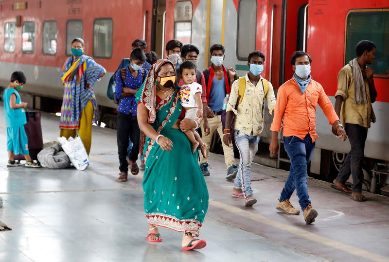 India coronavirus cases hit record high amid monsoon rains