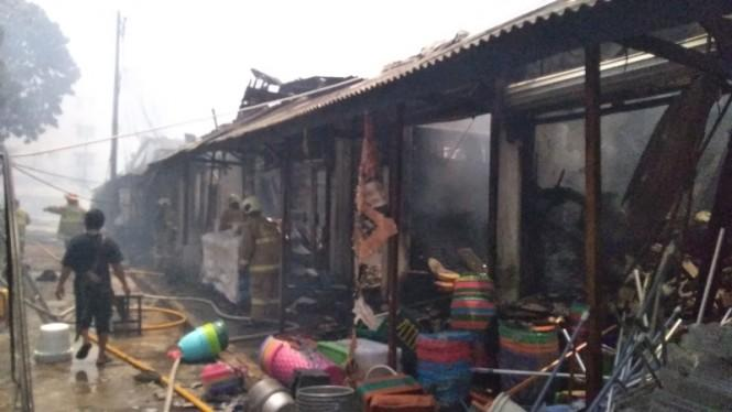 807 Kios Pasar Cempaka Putih Terbakar, Kerugian Capai Rp9 Miliar