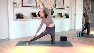 瑜伽伸展改善身體僵硬 打造易瘦體質 - 凱蒂瑜珈Flow With Katie