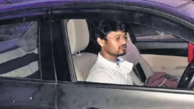 Pulang Kampung Ditolak Warga, Pria Ini Karantina 7 Hari dalam Mobil