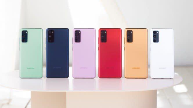 Adu Ciamik Smartphone Premium Versi Murah Apple vs Samsung