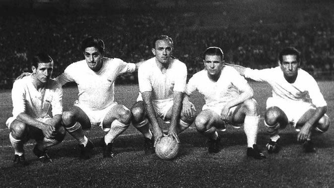 Skuat Real Madrid yang tampil di ajang Piala Interkontinental 1960. Dari kiri ke kanan: Raymond Kopa, Hector Rial, Alfredo Di Stefano, Ferenc Puskas, Francisco Gento. (Goal.com).