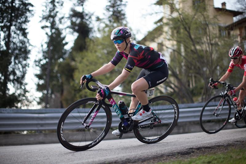 Tiff Cromwell (Canyon//SRAM) riding to 21st