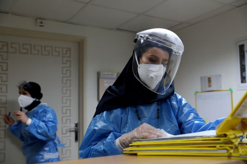 Iran to require face masks in capital as virus cases hit high