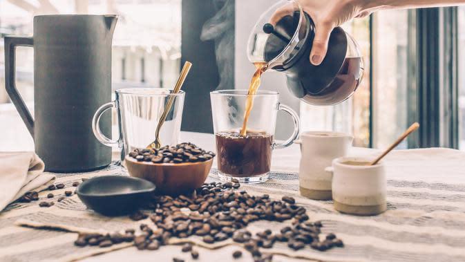 ilustrasi cara mudah membuat latte art ala kafe di rumah/burst/pexels