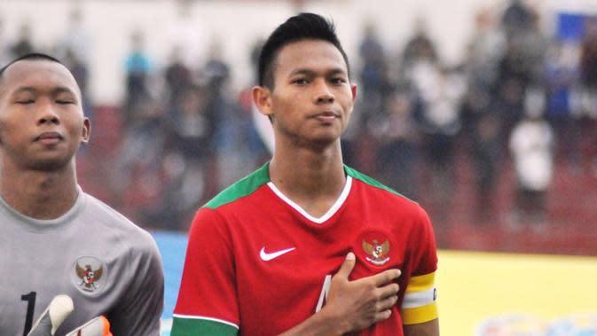 Andi Setyo Nugroho, kapten Timnas U-19, tidak gentar dengan persaingan di Grup B Piala AFF U-19 2016. (Bola.com/Romi Syahputra)