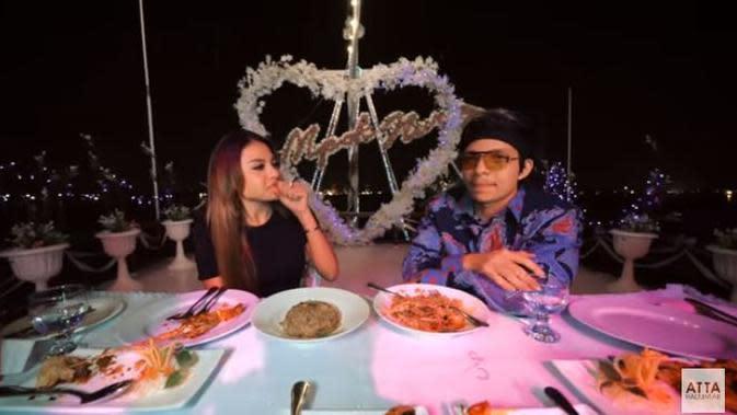 Aurel Hermansyah dan Atta Halilintar (Sumber: YouTube/Atta Halilintar)