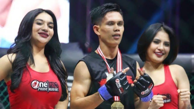 Akhiri Tren Positif Gunawan, Billy Pasulatan Juara Baru One Pride MMA
