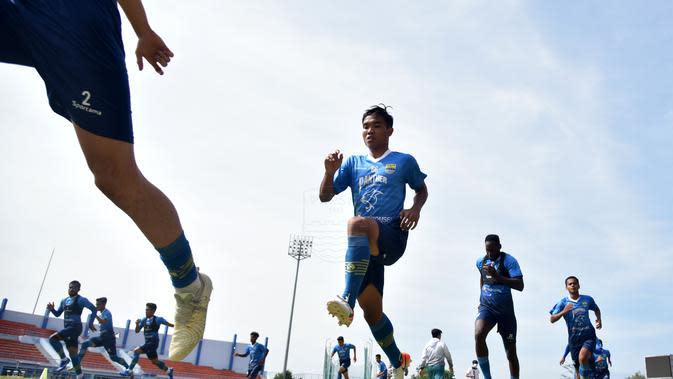Tim Persib Bandung terus lakukan persiapan menuju restart Shopee Liga 1 2020. (Erwin Snaz/Bola.com)