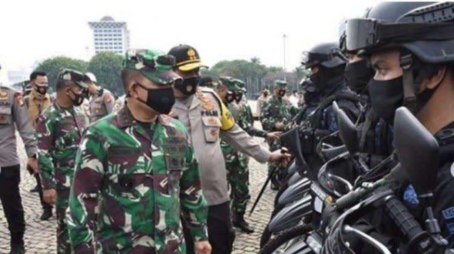 VIVA Militer : Pangdam Jaya dan Kapolda Metro pimpin Apel TNI-Polri di Monas