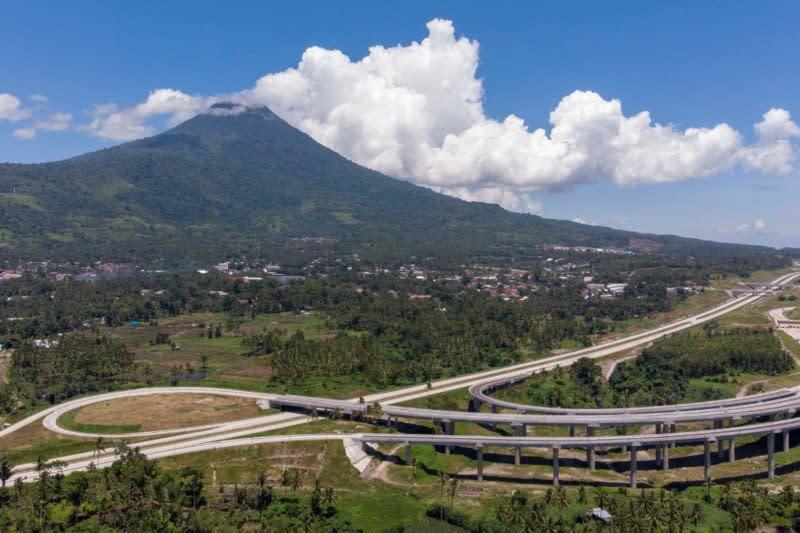 Jokowi: Tol Manado-Bitung dirancang terintegrasi kawasan strategis