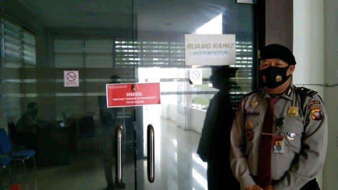 Polda Kalbar Segel Kantor Dinas PUPR Terkait Kasus Korupsi Jalan