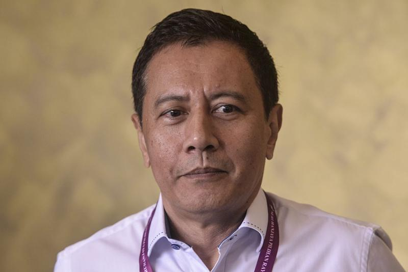 Datuk Azhar Azizan Harun says Pahang Speaker Ishak Muhammad must officially confirm the vacancy of the Chini seat and inform the EC for by-election to be held. ― Picture by Shafwan Zaidon