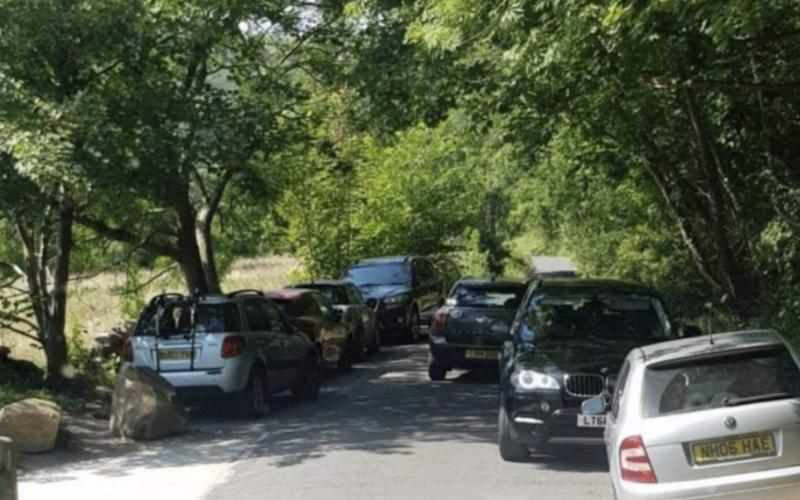 Hulleys of Baslow bus service cancelled due to (tourists) cars parked blocking road in Cressbrook Dale - Social media