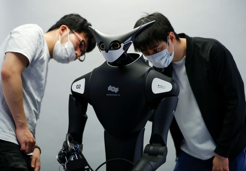Japanese robot to clock in at a convenience store in test of retail automation