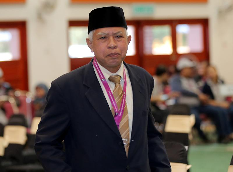Independent candidate for the Cameron Highlands by-election Sallehudin Ab Talib said he wanted to address the debt issues of Felda settlers and wants to help Orang Asli community in getting better education.