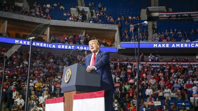 Donald Trump dalam kampanyenya di Tulsa, Oklahoma jelang pemilu AS pada November 2020 mendatang. (Ian Maule/Tulsa World via AP)