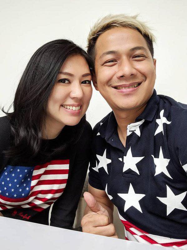 Delon Thamrin dan kekasih baru. (Foto : Instagram @delonthamrinofficial)