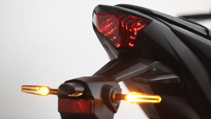 Asal Belok, Pemotor Ini Nyaris Hantam Biker Lain