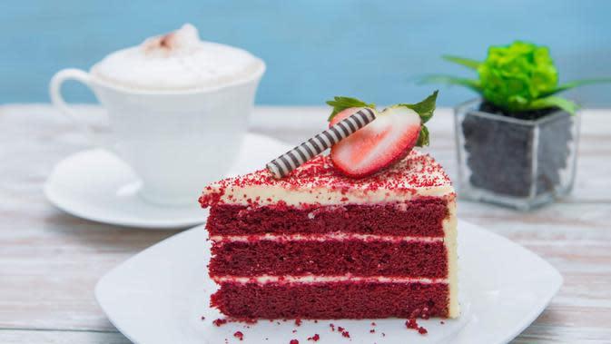 Ilustrasi red velvet cake./Copyright shutterstock.com/g/Suthiwan+Koysomboon