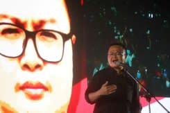 Pengunjuk rasa Thailand menentang kerajaan melalui 'Plakat Rakyat'