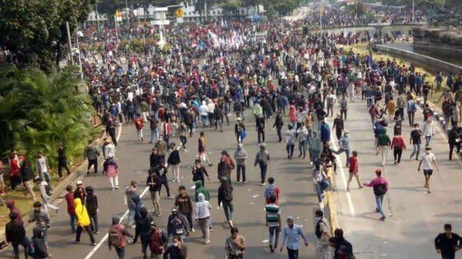 Demo soal Omnibus Law ricuh di Patung Kuda, Jakarta