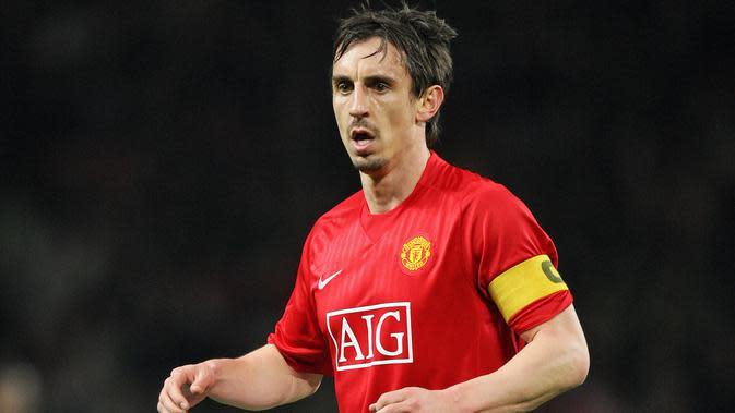 5. Gary Neville dipercaya sebagai kapten Manchester United di rentang 2005-2011.(AFP/Filippo Monteforte)