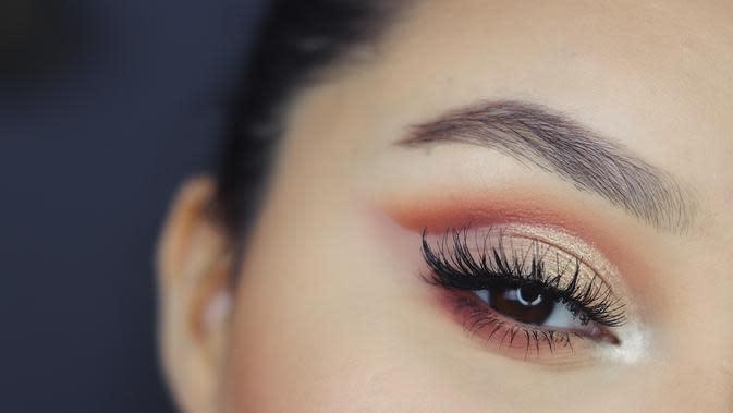 Ilustrasi makeup mata. (Foto: unsplash.com)