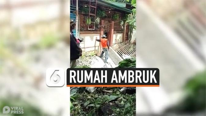 VIDEO: Rekaman Rumah Ambruk Tergerus Banjir
