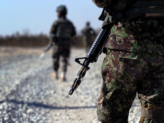 美國軍事報復 推翻塔利班