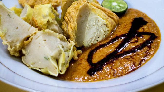 Batagor. (sumber: goodindonesianfood)