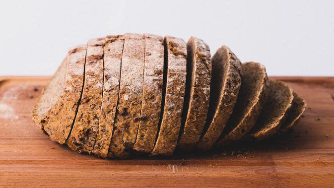 Ilustrasi Roti (Photo by Jude Infantini on Unsplash)