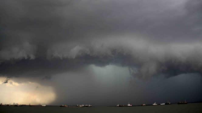 Cuaca Ekstrem, Waspada Berkendara saat Terjadi Angin Kencang