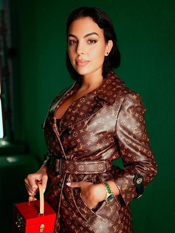 Georgina Rodriguez di acara Paris Fashion Show. (foto: Instagram @georginagio)