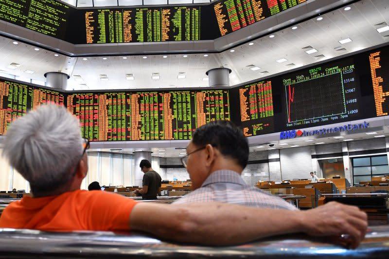 Saham Malaysia bangkit dari kerugian, Indeks KLCI terkerek 0,24 persen