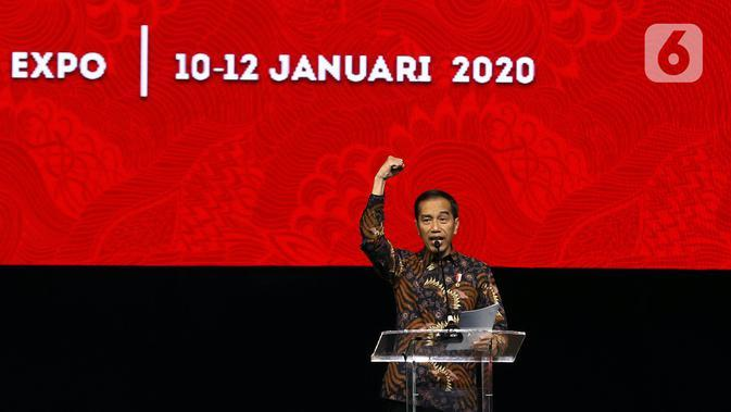 Presiden Joko Widodo atau Jokowi menyampaikan sambutan saat pembukaan Rakernas I dan HUT ke-47 PDIP di JIEXPO Kemayoran, Jakarta, Jumat (10/1/2020). Rakernas ini bertajuk 'Solid Bergerak Wujudkan Indonesia Negara Industri Berbasis Riset dan Inovasi Nasional'. (Liputan6.com/Johan Tallo)