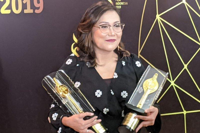 Gina S. Noer borong piala Penulis Skenario Terbaik FFI 2019