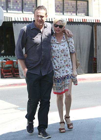 Michelle Williams,  Jason Segel have lunch in Los Feliz