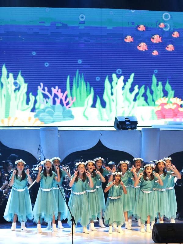 Lirik lagu dengan isi pesan yang positif dan universal dari film-film Disney inilah yang menjadi dasar pemikiran Avip sebagai direktur musik dan konduktor untuk membuat konser dengan musik yang indah dan cocok untuk segala usia. (Bambang E Ros/Fimela.com)