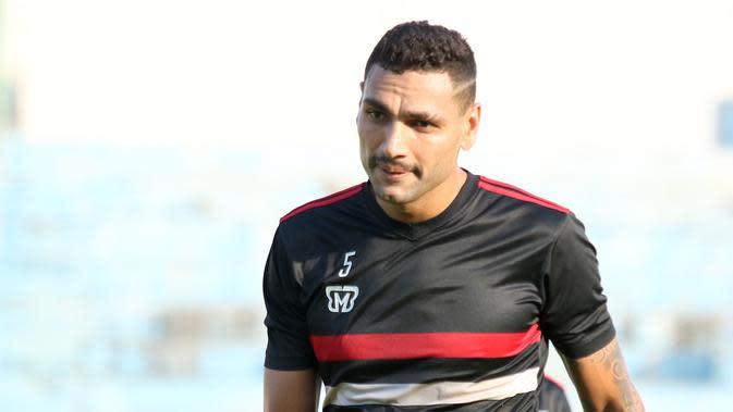 Bek Madura United, Jaimerson Xavier. (Bola.com/Aditya Wany)