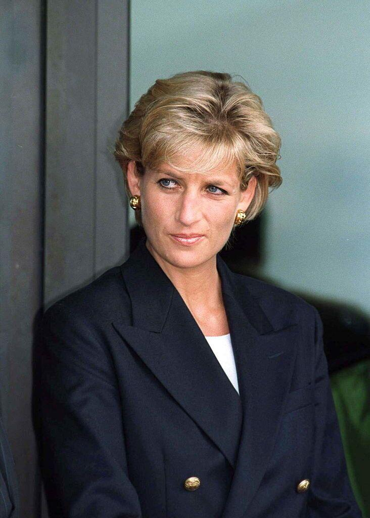 Diana Princess Of Wales At Luanda Airport, Angola, On The Start Of Her Four Day Visit To Red Cross Projects In Angola