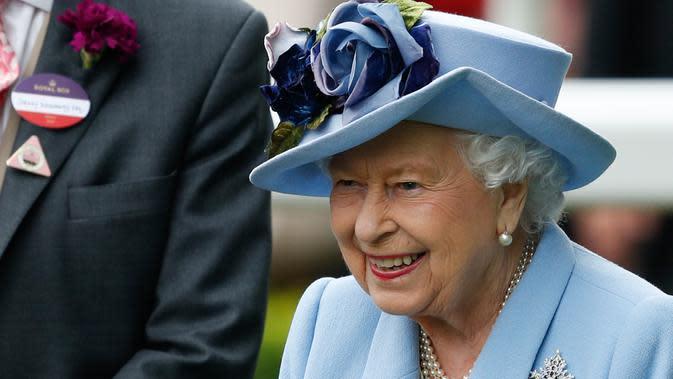 Ratu Elizabeth II saat di Royal Ascot. (Adrian DENNIS / AFP)